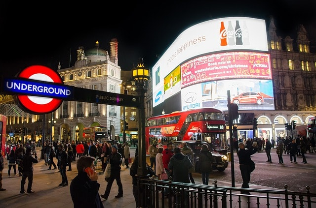 Piccadilly Circus i London